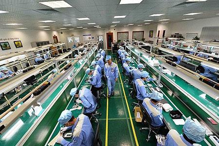 Tuyến 100 nam và nữ công nhân làm việc tại Nhật Bản